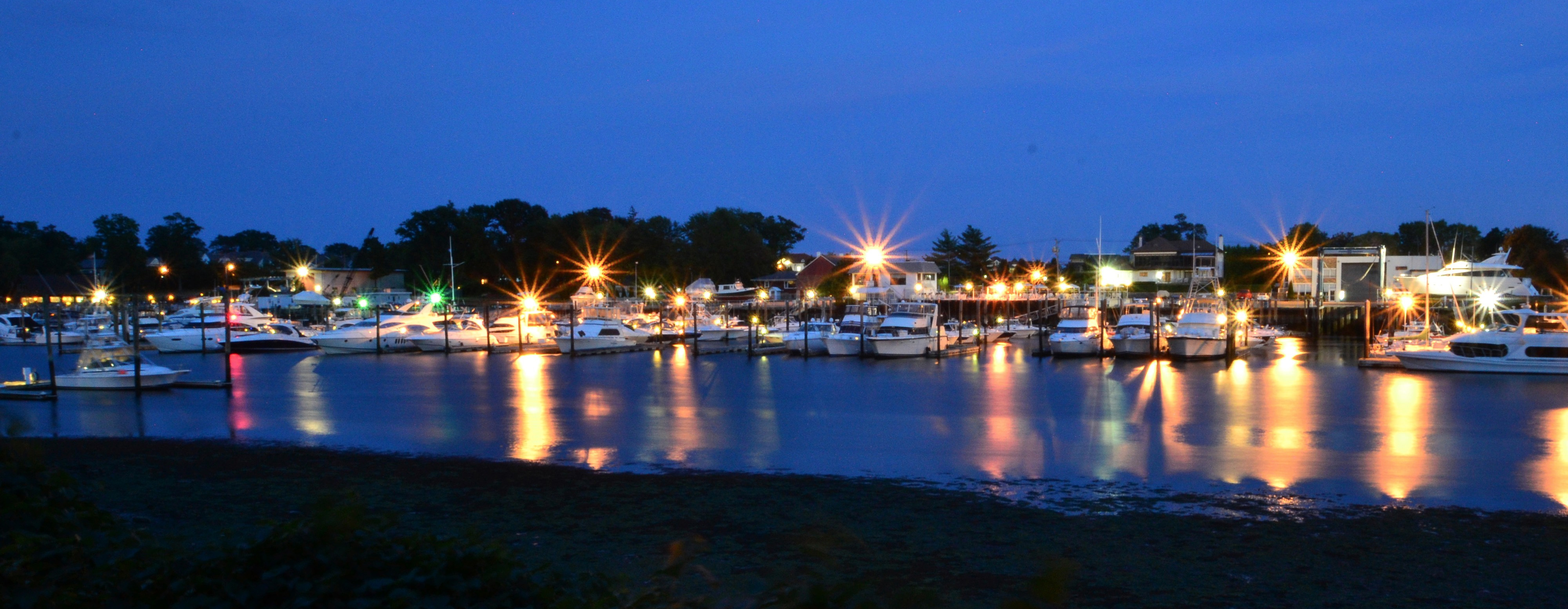 Imperial Yacht Club At Night